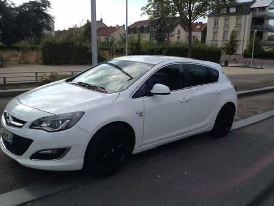 Bourges - Donne opel astra 1.6 cdti 110 ch fap start/stop ecoflex cosmo
